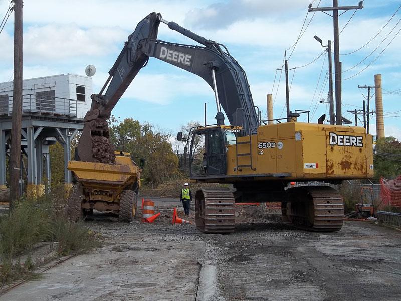 Excavator LoadingTruck
